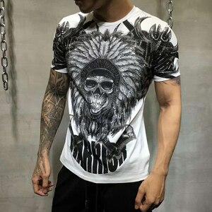 Image 2 - PP torba ambalaj! Marka giyim erkek yaz T Shirt erkek moda rahat tişörtleri taklidi hintliler baskılı nefes tişört