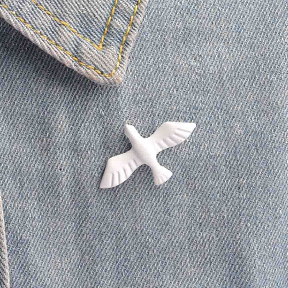 1PCS Chinese Fashion Jewelry Hot Retro Simple White Pigeon Brooch, Exquisite Little Animal Collar, Male And Female Jewelry Whole