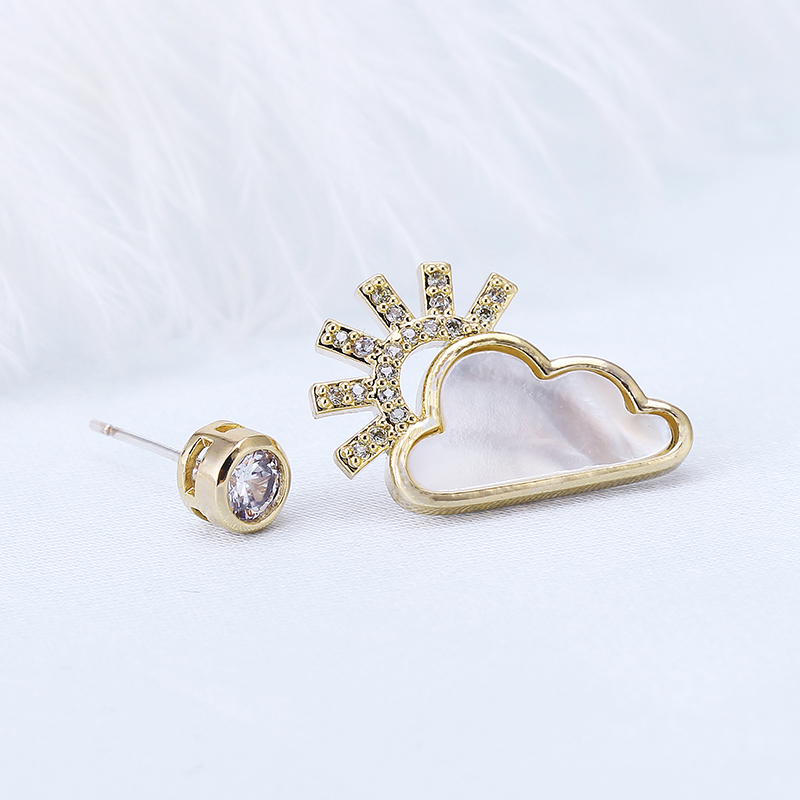 Brincos 2018 New Mismatched Sun/Cloud Stud Earrings For Women Jewelry Weather Special Style Gold/Silver Asymmetric For Party
