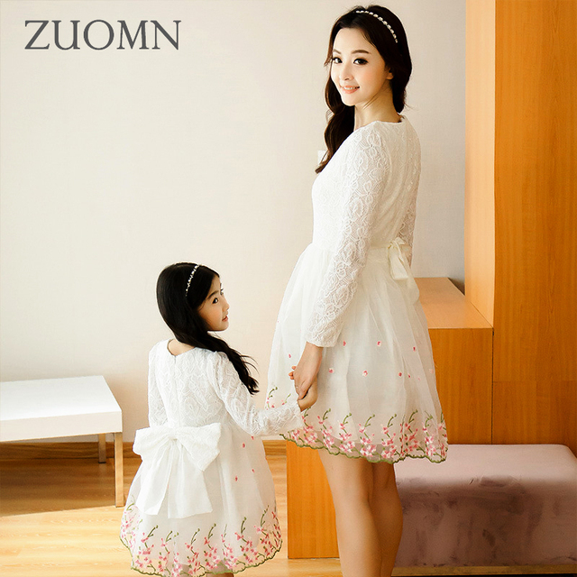 16a2ccc878cfc Korea Style Mother Daughter Dresses Cute Lace Family Look Matching Outfits  Kids Clothes Mom And Daughter