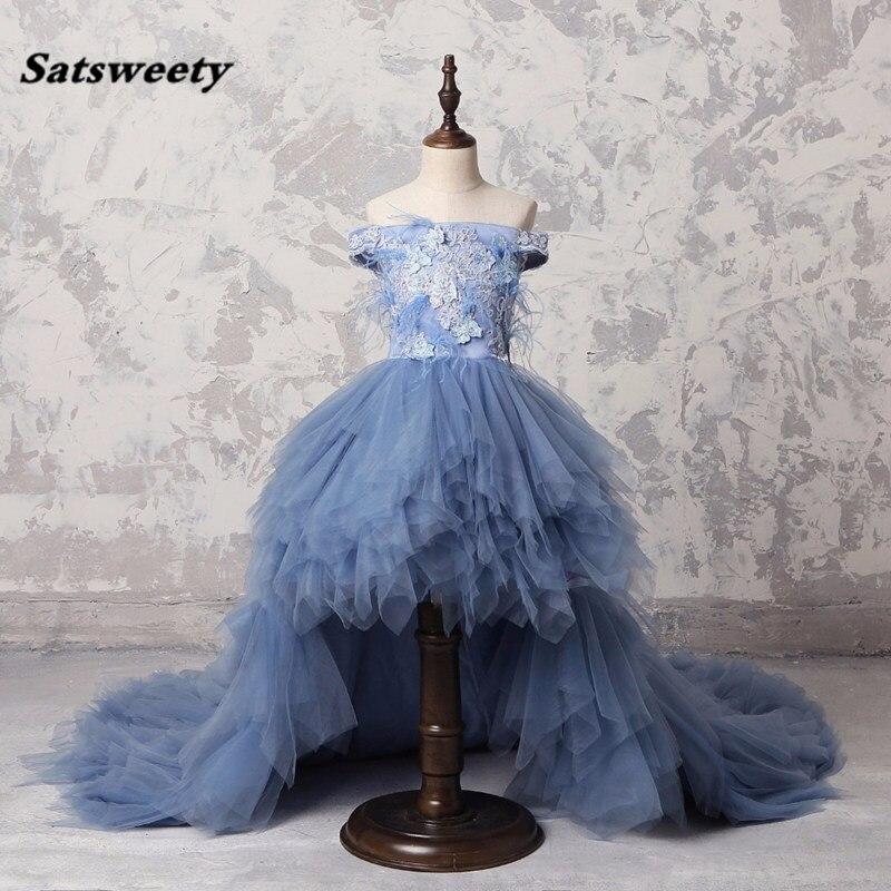 Bleu poussiéreux haute basse longue plume Pageant robes pour filles Appliques perle volants fleur fille robe épaule dénudée Comunion robe