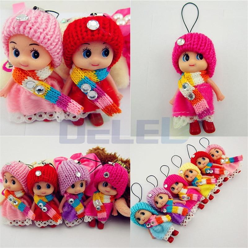 1 ADET 8 CM Renkli Şapka Etek Eşarp Ile Sevimli Mini Bebek Peluş Bebek Çocuklar Için Çocuk Parti Hediye Oyuncaklar rastgele Nakliye