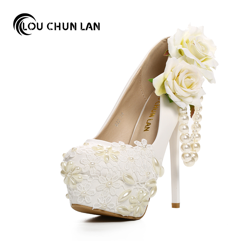 цена на women's Pumps Shoes White round high-heeled wedding shoes pearl lace flowers bridal shoes fine with beaded waterproof table