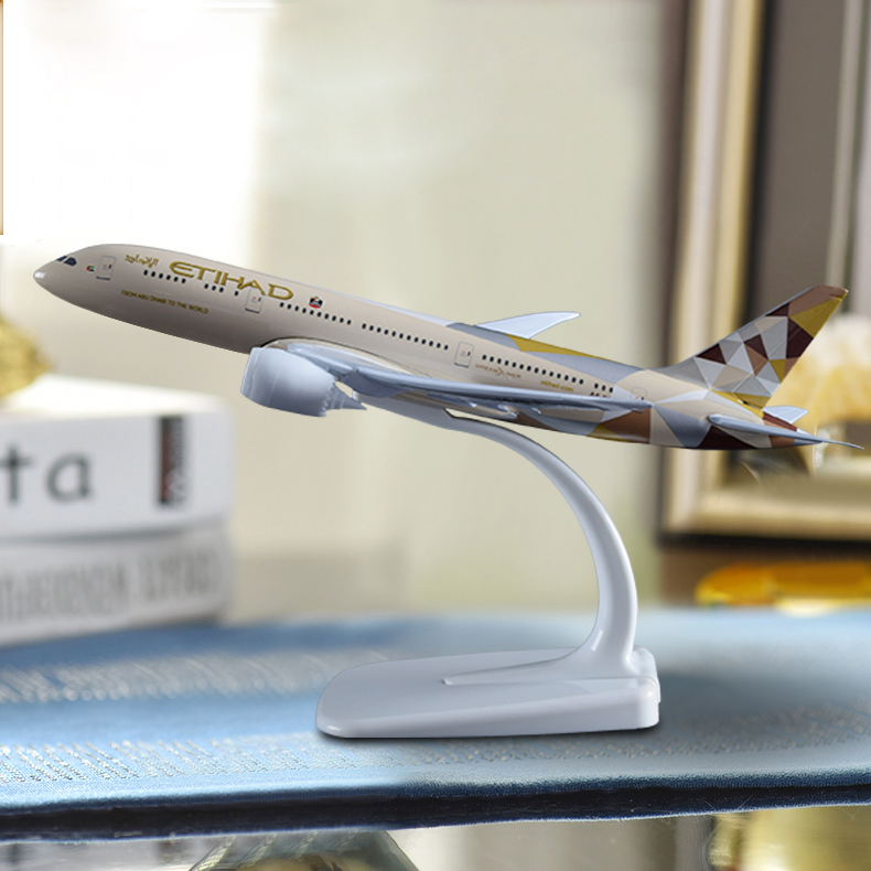 20cm Etihad Aircraft Model B787 Crafts Alloy Boeing 787 Airline Airplane Aviation Souvenir Adult Children Birthday Gift Toysaircraft modelboeing 787aviation souvenirs -