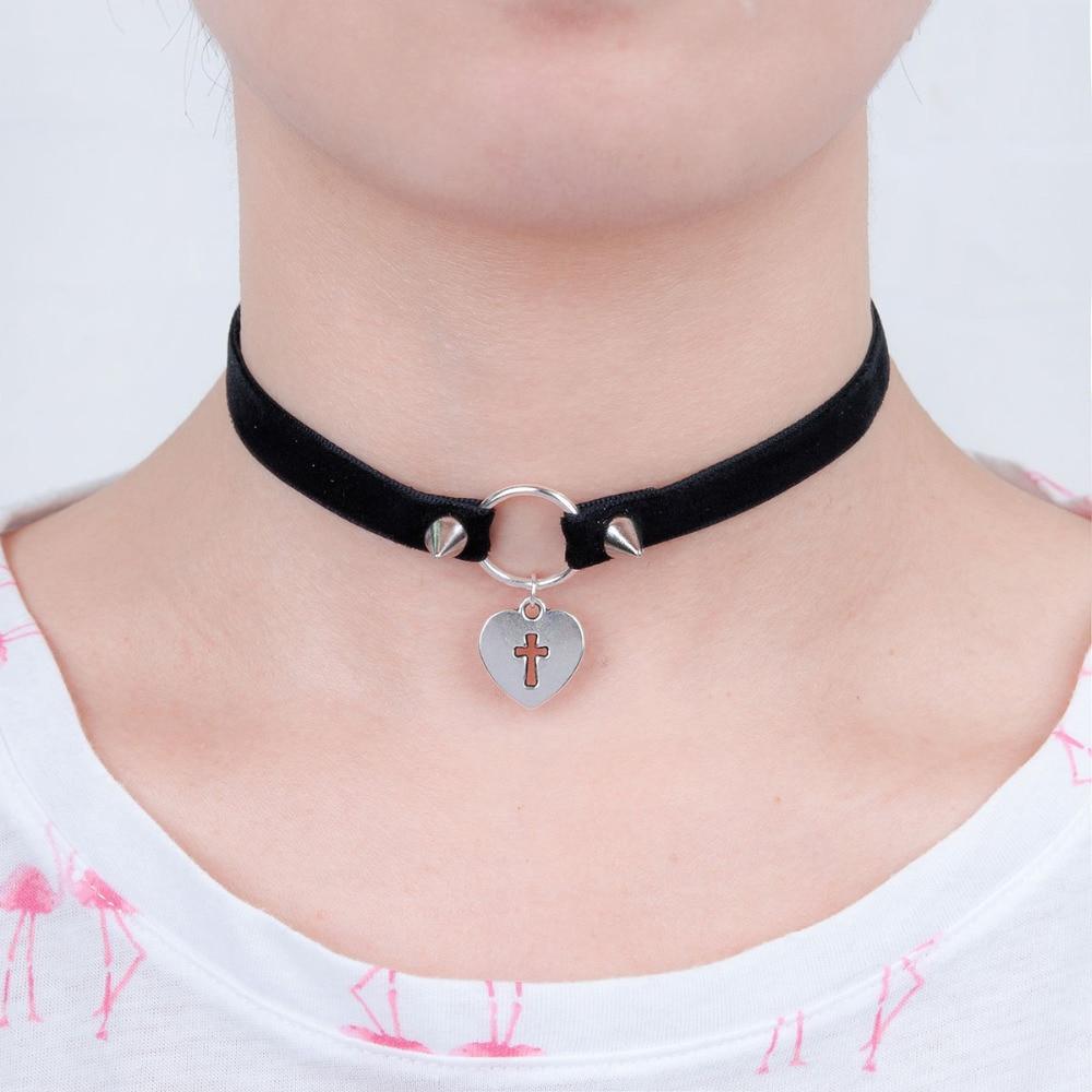 "8SEASONS Black Velveteen Halloween Choker Necklace Antique Silver Heart Cross Hollow Fashion Jewelry 34cm(<font><b>13</b></font> <font><b>3</b></font>/<font><b>8</b></font>"") long, <font><b>1</b></font> Piece"