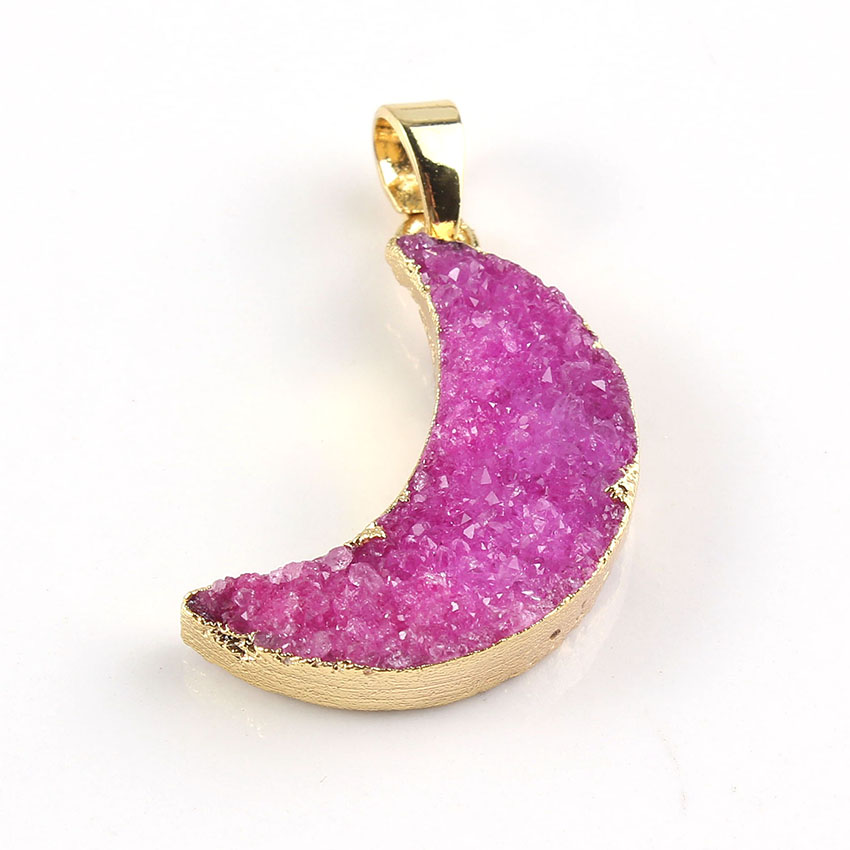 Trendy-beads Popular Light Yellow Gold Color Rock Crystal Dyed Rose Red Modern Pendants Charms Half Moon Jewelry