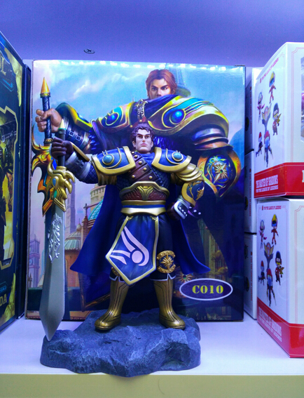 ФОТО High quality 1pcs League game character Garen with sword action pvc figure model toy tall 18cm in box hot sell.