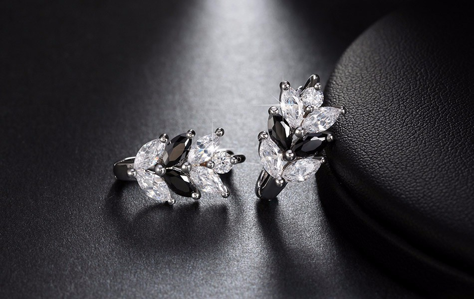 black-and-clear-marquise-leaf-design-earrings-with-zircon-stones-3