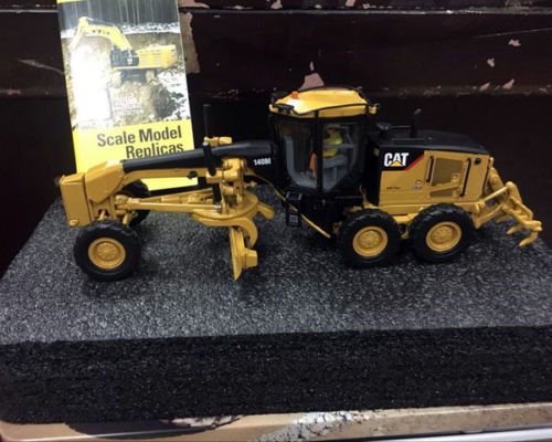 *NEW* Caterpillar Cat 140M Motor Grader 1/50 Scale DieCast 85236 By DM Model