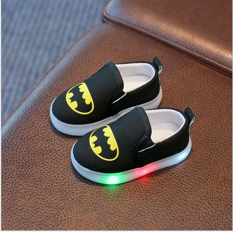 Kids LED Light Shoes 2019 New Arrival Children Canvas Shoe Batman Cartoon Printed Baby Girls Sneakers For Boys Luminous Sneaker