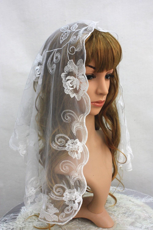 White Spanish Lace Mantilla ,Embroidery Chapel Scarf Veil ,Infinity Lace ChapelWhite Spanish Lace Mantilla ,Embroidery Chapel Scarf Veil ,Infinity Lace Chapel