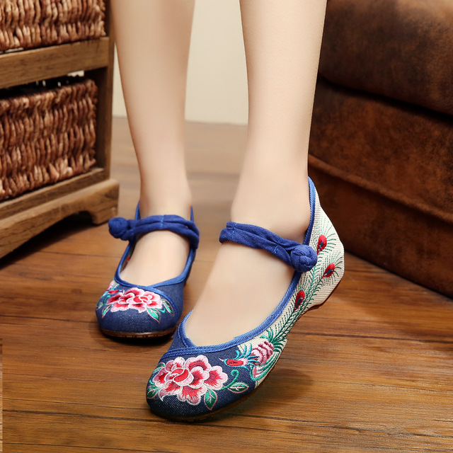 2016 Hot Sale Women's Cloth Old Peking Shoes Flat Heel with Embroidery Soft Sole Casual Walking Dancing Shoes Size 35-41
