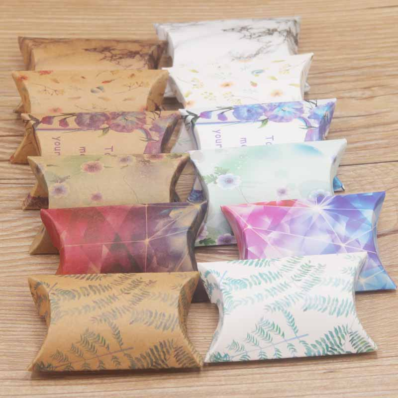 50pcs/lot Cute Kraft Paper Gift Box Pillow Box Various Flower Styles Wedding Party Event Favor Box Marbel Design Gifts Pack Bags