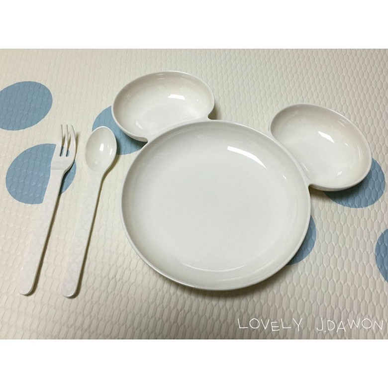 red and white dinnerware 78 (1)
