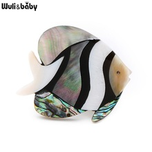 Wuli&Baby Natural Shell Fish Brooches For Women And Men Cute Fish Animal Banquet Weddings Brooch Gifts