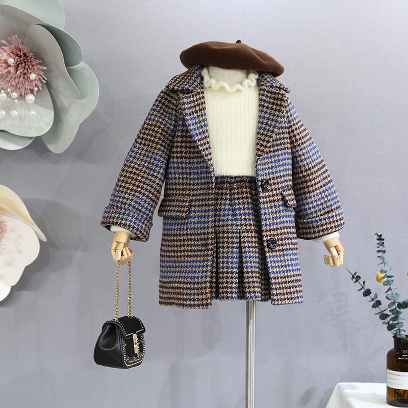 2018 new children's suit skirt plus velvet pleated skirt pants autumn and winter girls British plaid suit two-piece