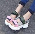 Verão 2017 nova Europa Estados unidos rua snap hook loop sandálias peep-toe sandálias plataforma edição han moda feminina