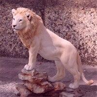 Handmde Vivid Resin Lion Statue For Modern Home Or Garden Decorations