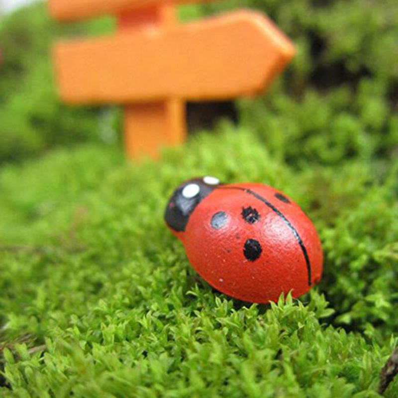 100pcs Mini Ladybug Fairy Figurine Miniature Garden Ornament Dollhouse Decoration Micro Landscape Bonsai Figurine Resin Crafts
