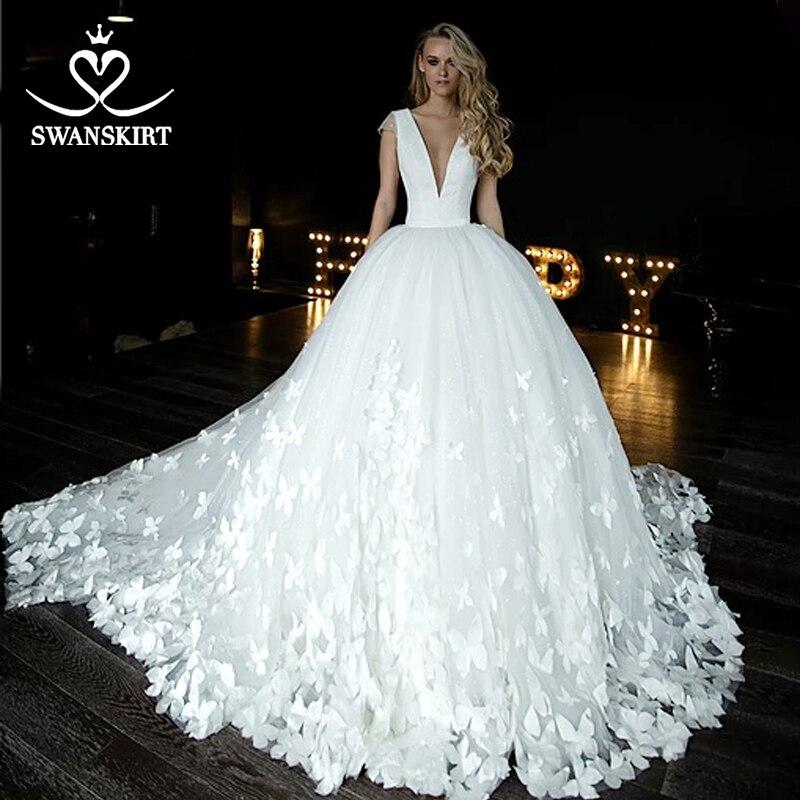 Swanskirt V-neck Satin Wedding Dress 2019 Appliques Butterfly Ball Gown Bridal Gown Chapel Train Plus Size Vestido De Novia HZ10