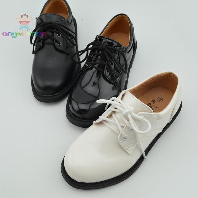 a33e9a171484c2 Maschio bambino in pelle bianca di cuoio laccata allacciatura abito formale  scarpa fiore scarpe per bambini