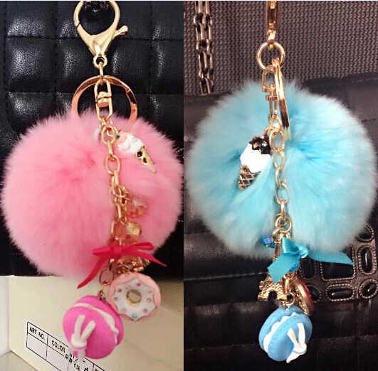 Macarons Bolo de presente Keychain Fur Pompom Pompom chaveiro France Paris Macarons LADUREE Effiel Torre Fita anel Chave Charme Saco