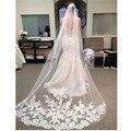 Acessórios do casamento 2017 Apliques Tulle Longo Casamento Catedral Veil Lace Borda Véu De Noiva com Pente véu de noiva longo