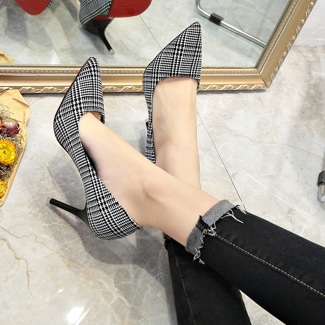 2018 autumn new women's single shoes Korean fashion fine with shallow mouth pointed high heels wild casual work shoes