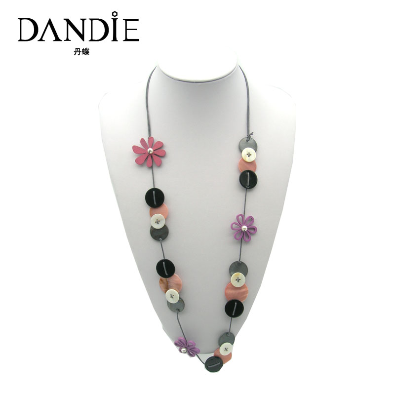 Dandie Hot Sale Trendy Handmade Necklace With Shell And Flowers Decorations For Women