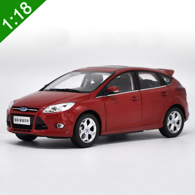 118 Diecast Model For Ford Focus 2012 Red Hatchback Alloy Toy Car Collection Gifts
