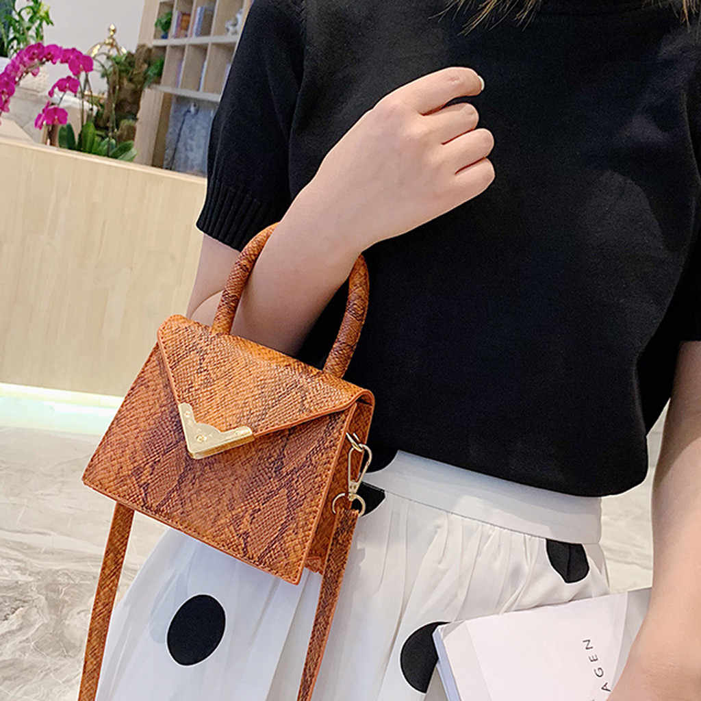 2019 Fashion Snake Skin Prints Messenger Bag Women Retro Serpentine Crossbody Bags Single Shoulder Handle Hasp Square Package