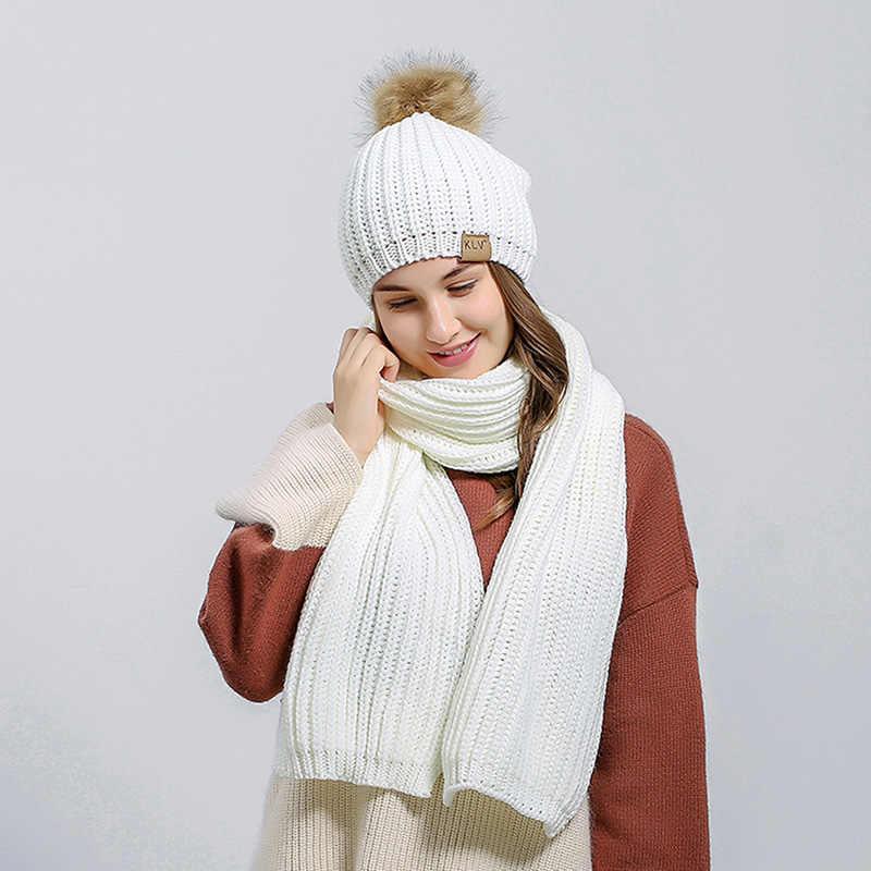 女性の冬のニット帽子スカーフセットファッション女性毛皮ポンポンビーニー帽子厚く暖かい女性ニットスカーフ帽子とスカーフセット
