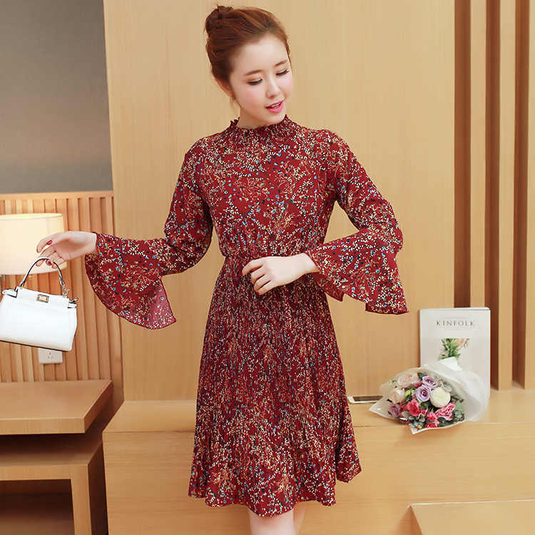 b347642fa20 2019 spring postpartum lactation dress long pleated flare sleeve out floral  dress fashion mom breast-