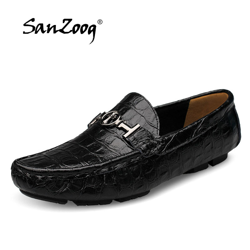 купить Fashion Loafers Men Flats Genuine Leather Zapatos Shoes Breathable Slip On New Driving Peas Mens Shoes Mocassin Homme Size 36-50 по цене 2033.13 рублей