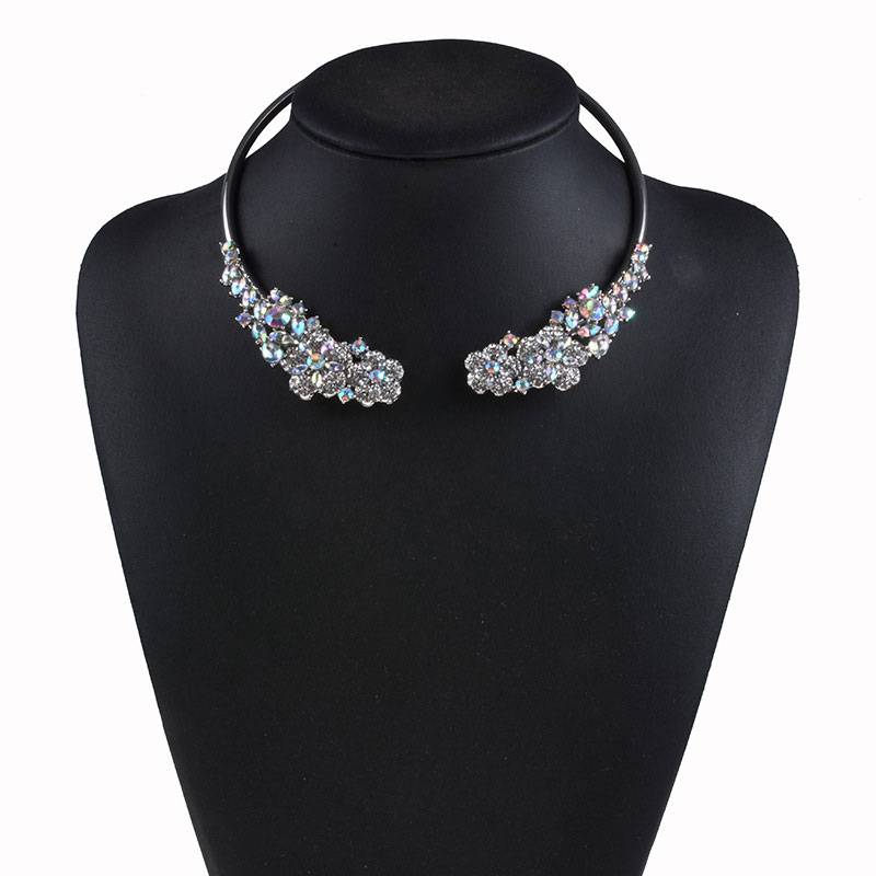 Luxury Crystal Alloy Collar Joker Short Clothing Accessories New Fashion Necklace Boutique