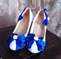 Blauwe vlinder-boog bowtie trouwschoenen vrouw dame vrouwelijke vrouw zoete satijn boog blauw witte bruiloft pompen schoenen plus size