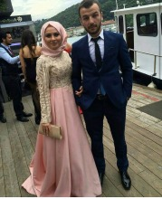 Elegant Pink Muslim Evening Dress with Hijab High Neck Lace Long sleeves Prom Dress Satin Long formal Gown robe de soiree