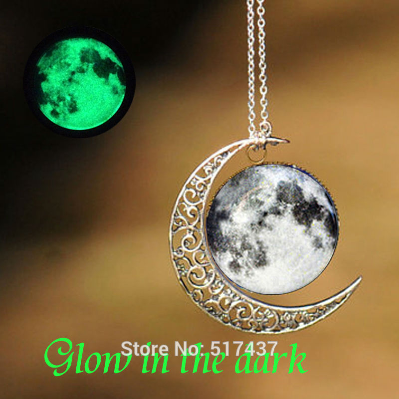 Glowing Necklace Pendant Moon Pendant Necklace Glass Photo Cabochon Necklace Glow in The Dark Jewelry Necklace