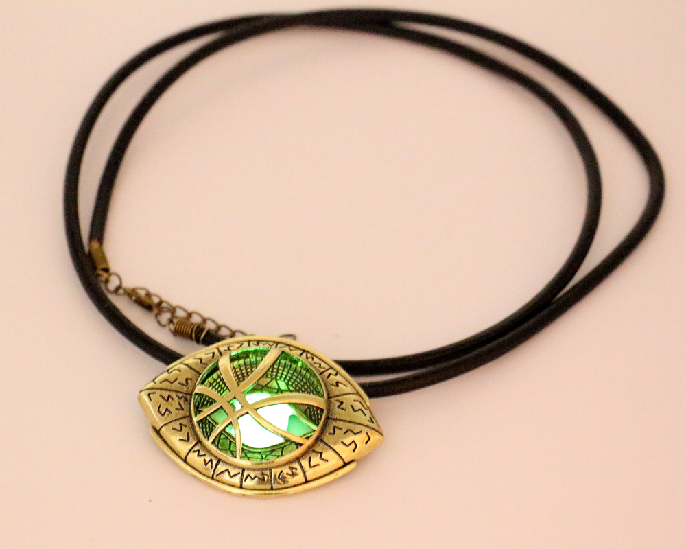 2019 The Avengers Grow in Dark Doctor Strange Necklace Eye Shape Pendant Leather Cord Long Necklaces