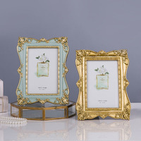 New French Light Luxury Golden Carved Vintage Photo Frame Picture Frame Photo Frame Soft Ornament Decoration Beauty