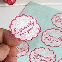 Купить онлайн 120 шт./лот тиснением цветок Форма розовый DIY Многофункциональный печать Стикеры с «специально для вас» подарочная упаковка этикетка