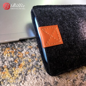 Image 5 - Phone Bag Wool Felt Pouch Protective Case Bag For iPhone XR Cases Cover Mobile Phone Handmade bags For iphone xr 6.1inch Gray