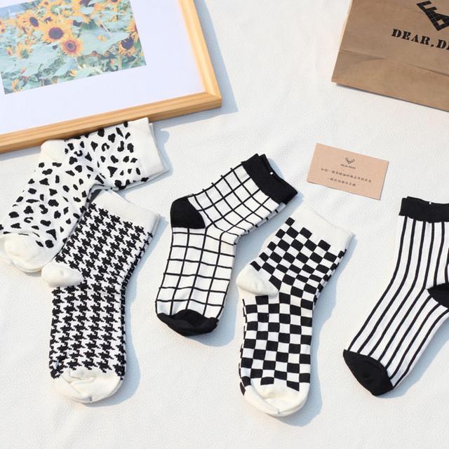 Deardeer 4 par/set paquete del regalo de la sra. de otoño e invierno una buena mezcla de blanco y negro medias azar enviar paquete tamaño libre