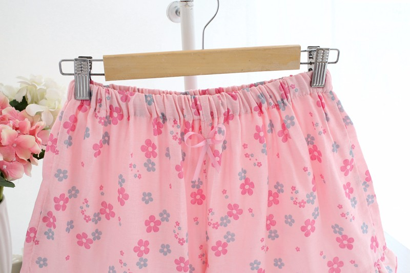 smaller flower print cotton shorts for women