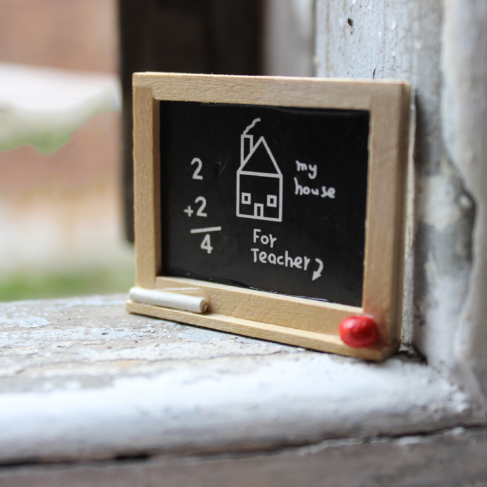 1/12 Dollhouse Miniature Accessories Mini Wooden Blackboard Simulation Chalkboard Model Toys For Doll House Decoration