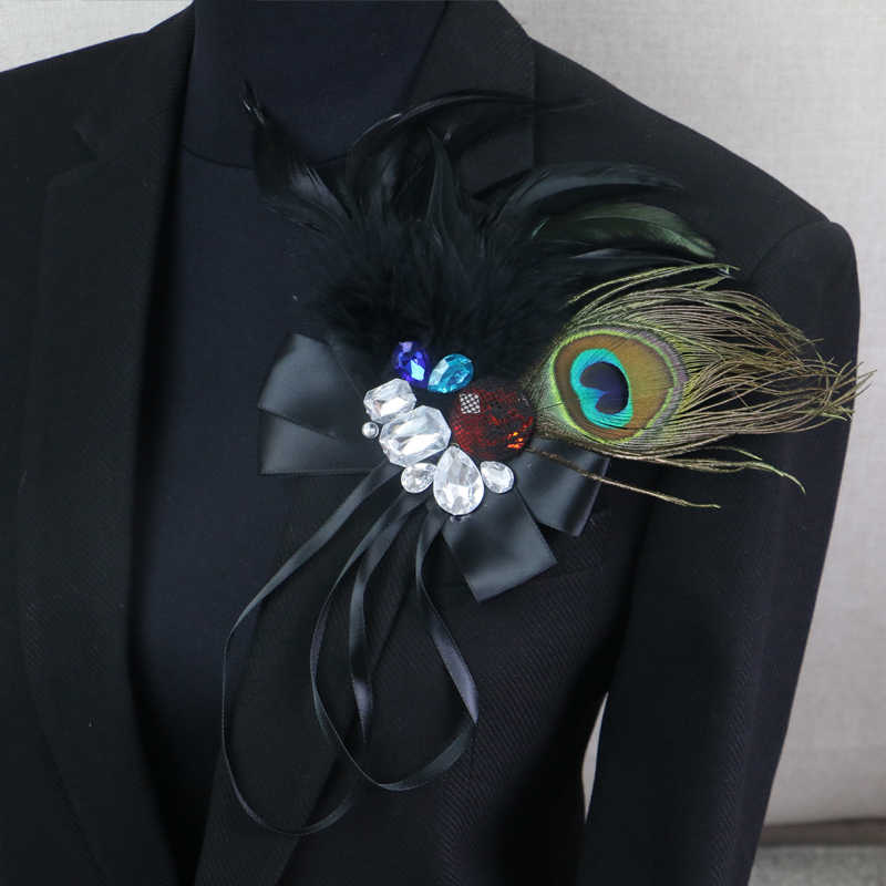 Punk Rhinestone Peacock Feather Boutonniere Clips Collar Brooch Pin Wedding Bussiness Suits Banquet Brooch Flower Corsage Singer