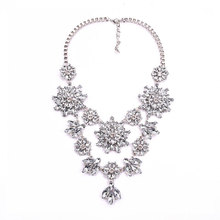 Luxury Flash Crystal Short Pearl Clavicle Necklace Exaggerated Female Fashion Vintage Boutique
