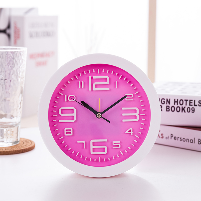 2018 New Mini Mute Alarm Clocks Battery Bedside Desk Table Home Decor Kid Creat Gifts Square Portable Snooze Function Clocks