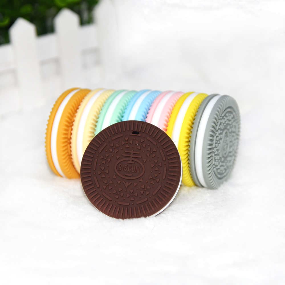 Happyfriends 1pcs Soft Silicone Chew Pendant Biscuit Nursing Accessories Dental Care Cookies Silicone Teether Baby Bites Toys