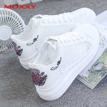 2019 New Embroider White Sneakers Women Shoes Summer Fashion Mesh Platform Casual Female chaussures femme sapato